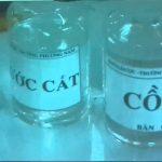 Pha ethanol và nước để tạo thành cồn